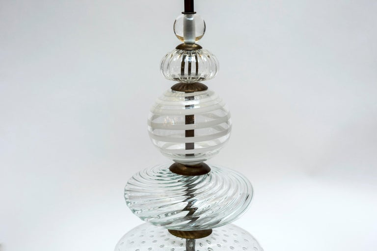 Italian Pair of Clear and Swirled Murano Glass Table Lamps For Sale