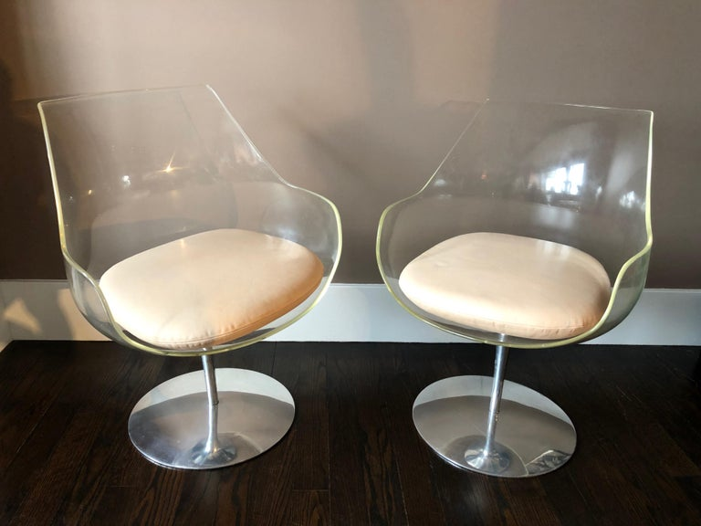 """Pair of Clear """"Champagne"""" Chairs by Erwine & Estelle Laverne, USA, circa 1968 In Good Condition For Sale In Jersey City, NJ"""