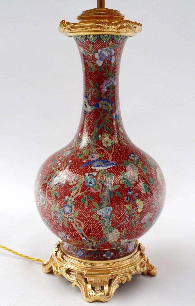 Cloissoné Pair of Cloisonné Enamel Lamps on a Louis XV Style Mount, Late 19th Century For Sale