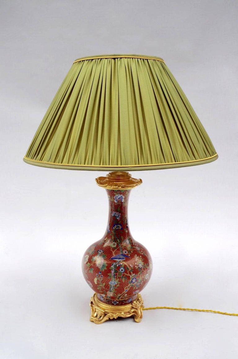 Pair of Cloisonné Enamel Lamps on a Louis XV Style Mount, Late 19th Century In Good Condition For Sale In Saint-Ouen, FR