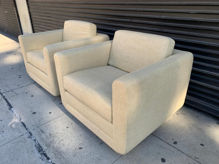 Mid-20th Century Pair of Club Chairs on Walnut Plinth by Harvey Probber For Sale