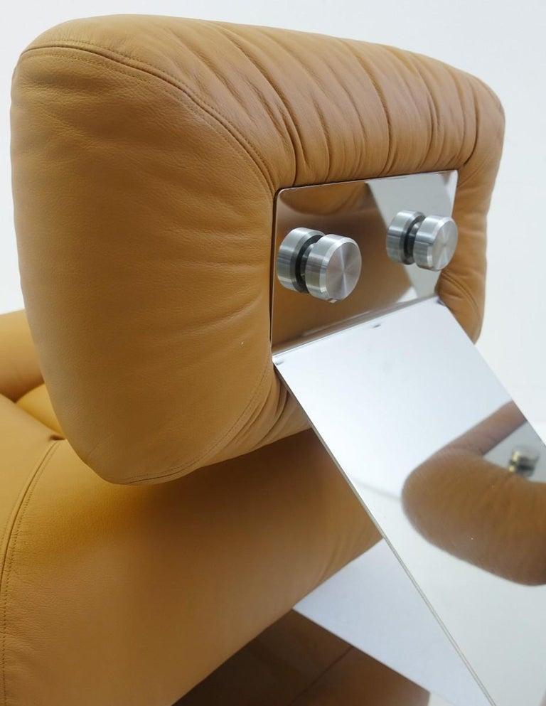 Brazilian Pair of Cognac Leather Lounge Chairs Model 'Aran' by Oscar Niemeyer, 1975 For Sale