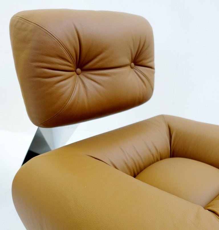 Pair of Cognac Leather Lounge Chairs Model 'Aran' by Oscar Niemeyer, 1975 In Good Condition For Sale In Brussels, BE