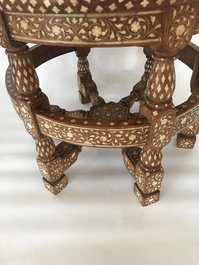 Pair of Colonial Lounge Chairs For Sale 1