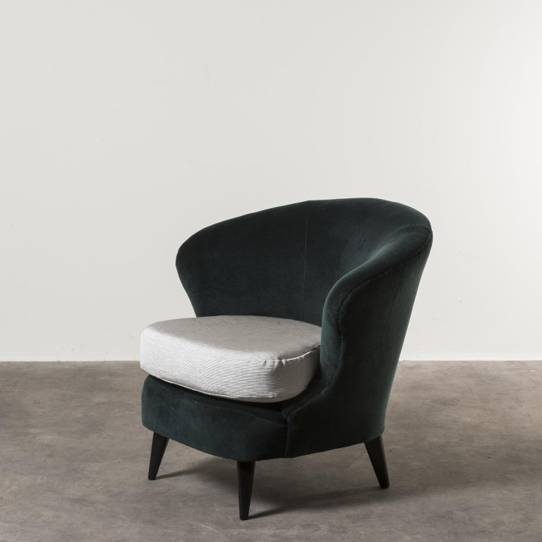 Mid-Century Modern Pair of Concha Armchairs by Joaquim Tenreiro For Sale