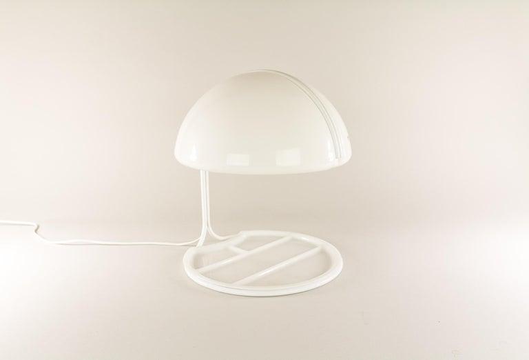Mid-Century Modern Pair of Conchiglia Desk Lamps by Massoni and Buttura for Harvey Guzzini, 1960s For Sale