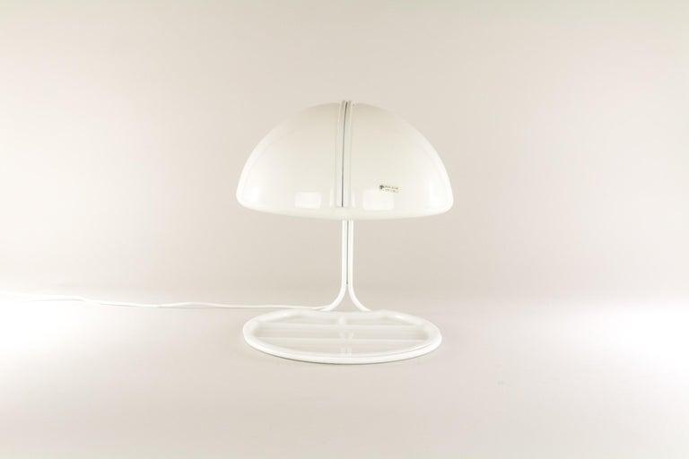 Pair of Conchiglia Desk Lamps by Massoni and Buttura for Harvey Guzzini, 1960s In Good Condition For Sale In Rotterdam, NL