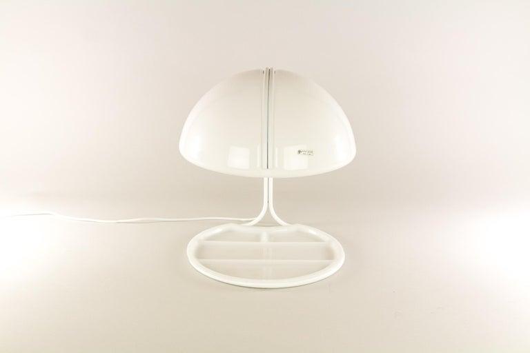 Plastic Pair of Conchiglia Desk Lamps by Massoni and Buttura for Harvey Guzzini, 1960s For Sale