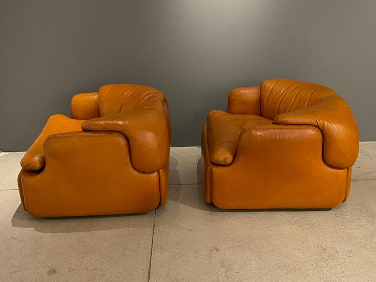 Pair of Confidential Armchairs For Sale 3