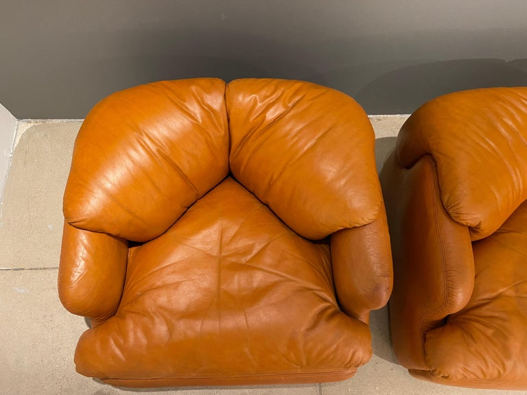 Pair of Confidential Armchairs For Sale 6