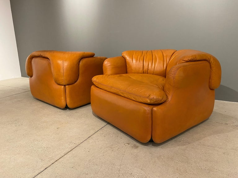 Leather Pair of Confidential Armchairs For Sale