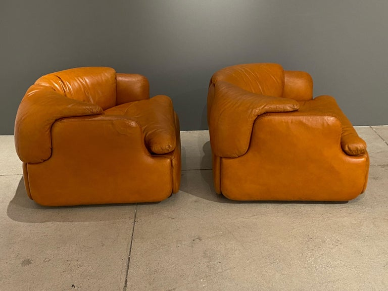 Pair of Confidential Armchairs For Sale 2