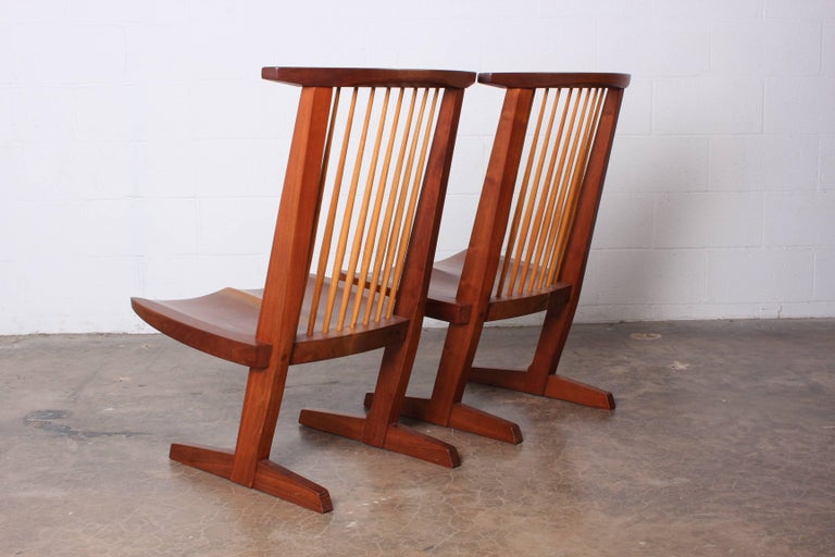 Pair of Conoid Lounge Chairs by George Nakashima In Good Condition For Sale In Dallas, TX