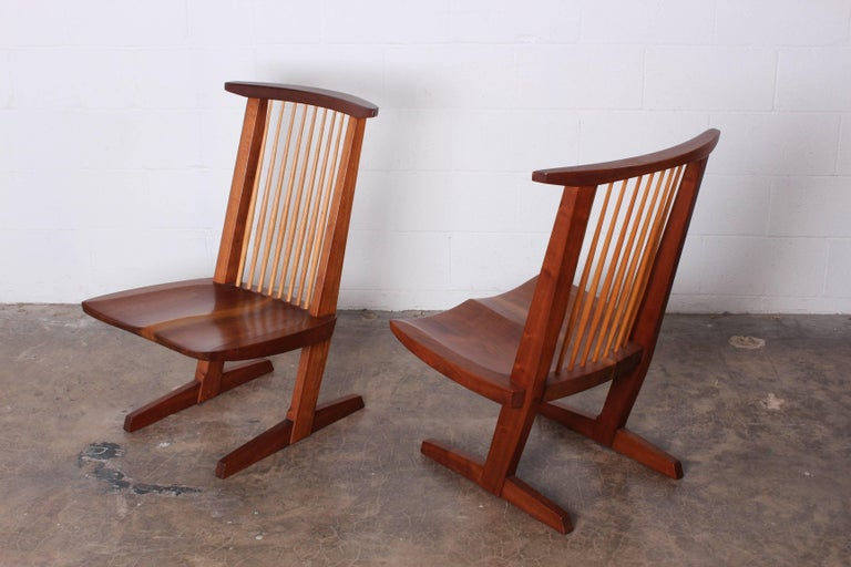 Walnut Pair of Conoid Lounge Chairs by George Nakashima For Sale
