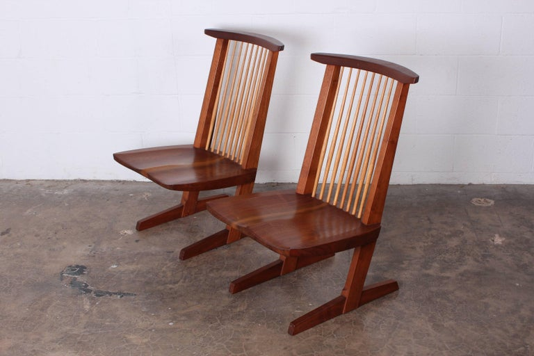 Pair of Conoid Lounge Chairs by George Nakashima For Sale 1