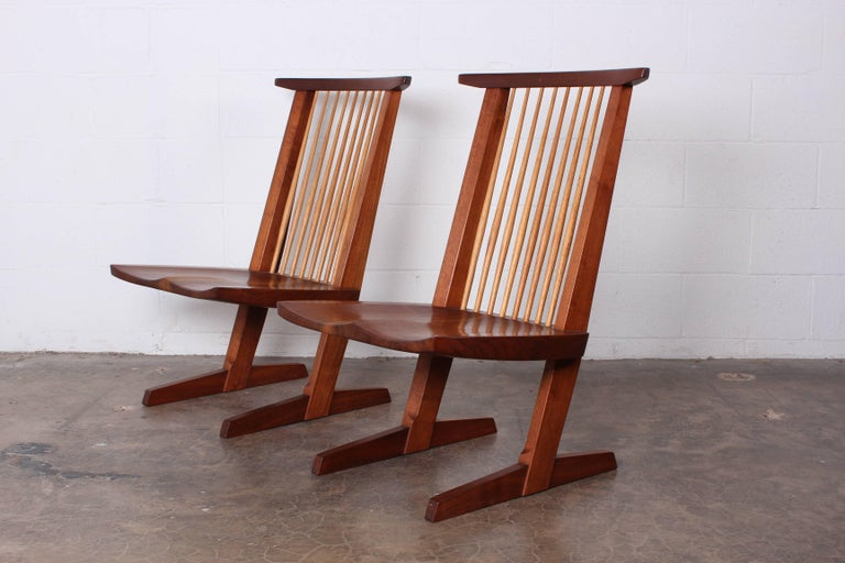 Pair of Conoid Lounge Chairs by George Nakashima For Sale 4