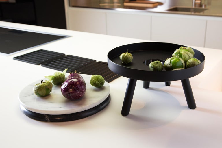 Pair of Contemporary Black Serving Trays Decorative Sculpture, in Stock For Sale 2