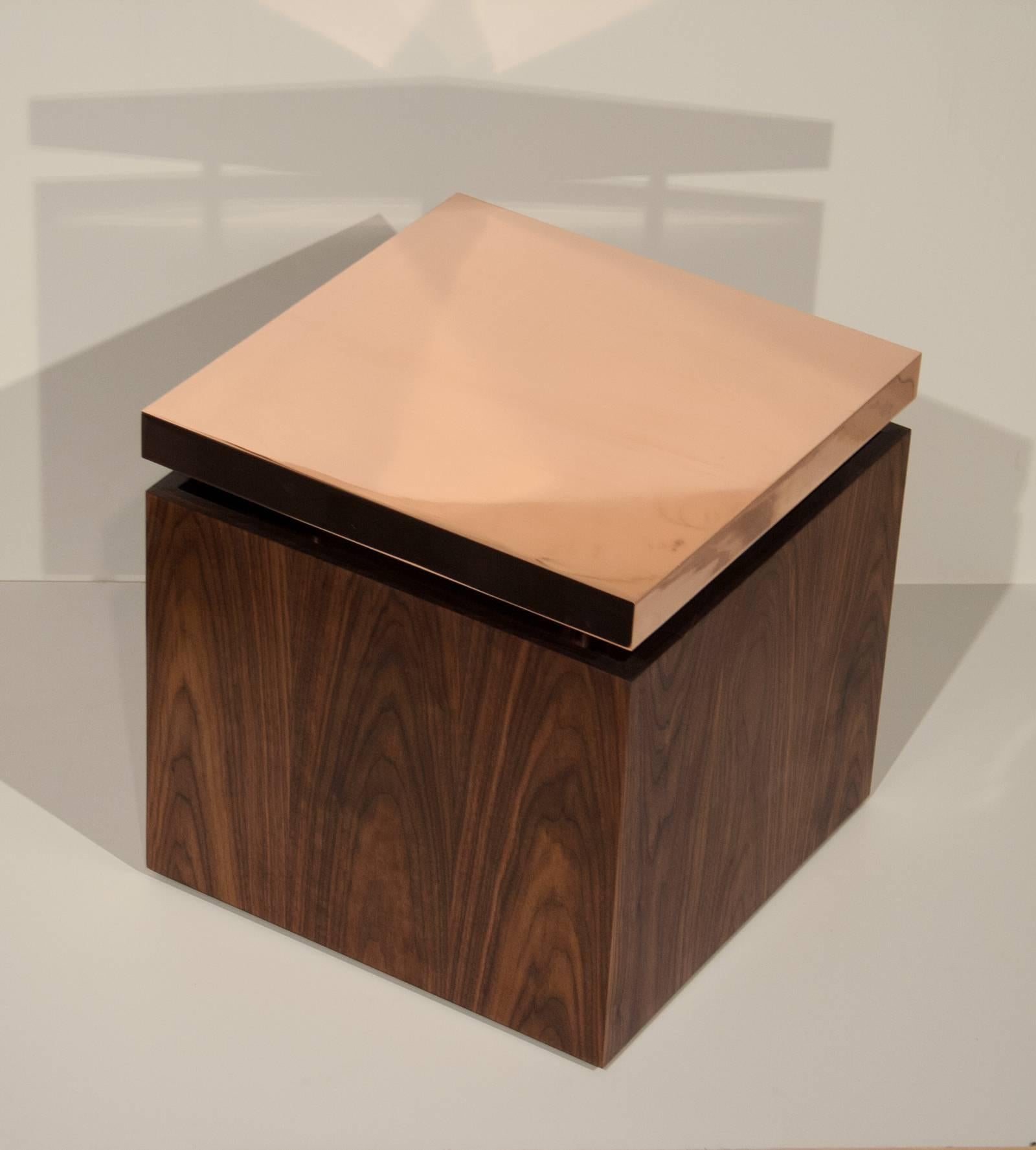 American Pair Of Contemporary Cube End Tables In Copper And Walnut By Brant  Ritter For Sale