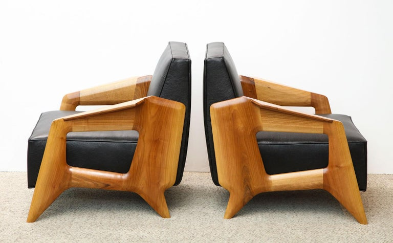Italian Pair of Contemporary Lounge Chairs For Sale