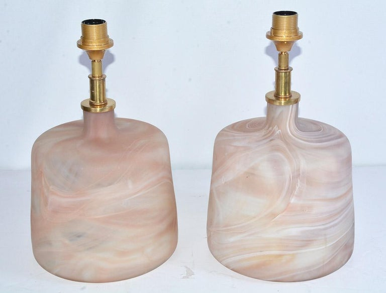 Modern Pair of Contemporary Pink Marbleized Glass Lamps with Mat Finish For Sale