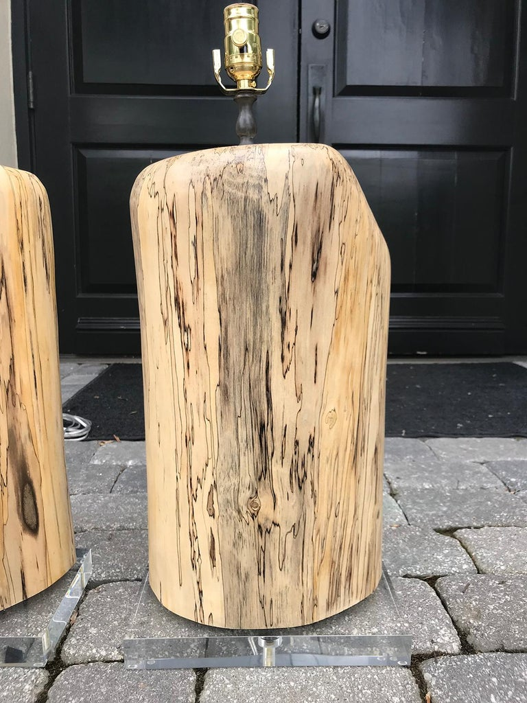 20th Century Pair of Contemporary Spalted Wooden Lamps on Custom Lucite Bases For Sale