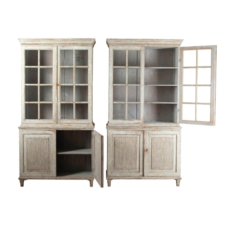 Pair of Continental Bookcases For Sale 1