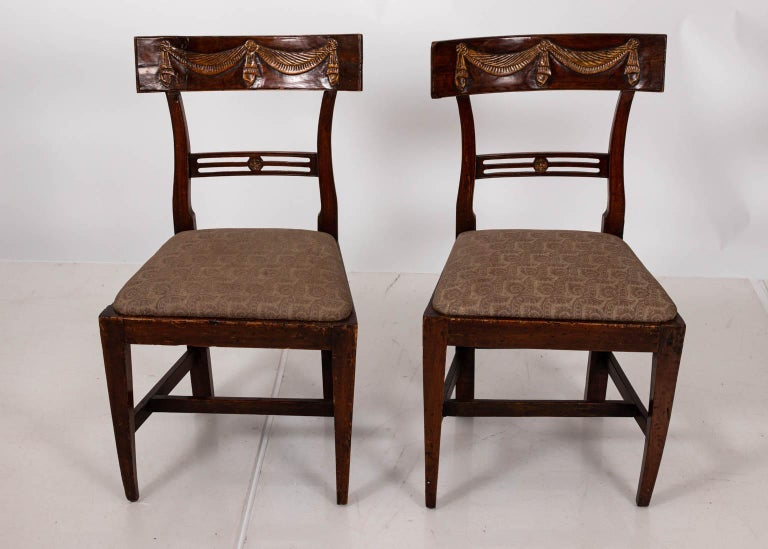 Pair of Continental Walnut Side Chairs In Good Condition For Sale In Stamford, CT