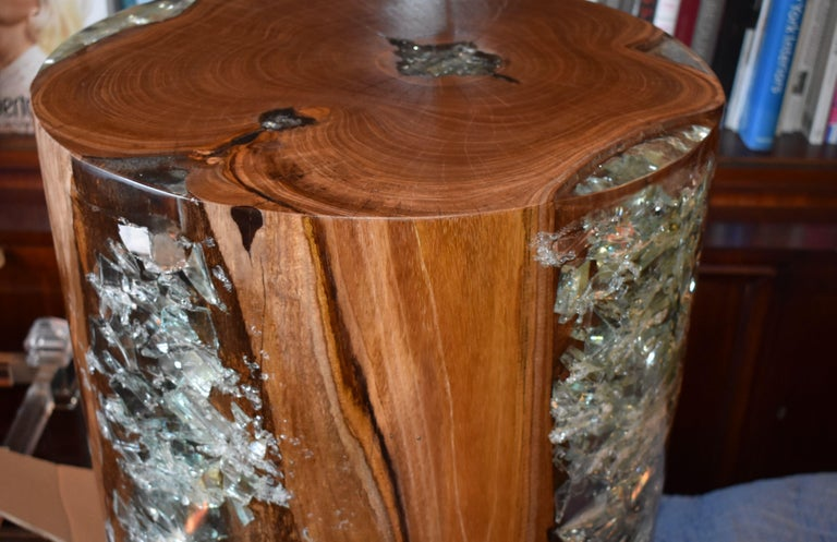 Modern Pair of Cracked Resin and Wood Side Tables For Sale