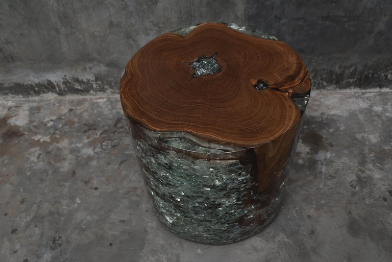 Contemporary Pair of Cracked Resin and Wood Side Tables For Sale
