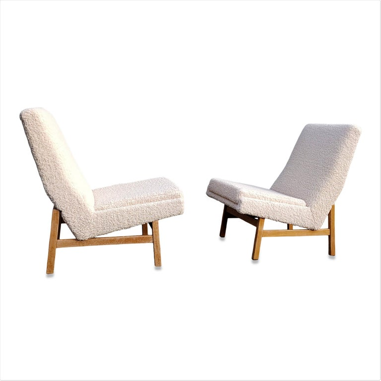Pair of Cream White Chairs by Guariche, Mortier & Motte for ARP, France, 1955 For Sale 3