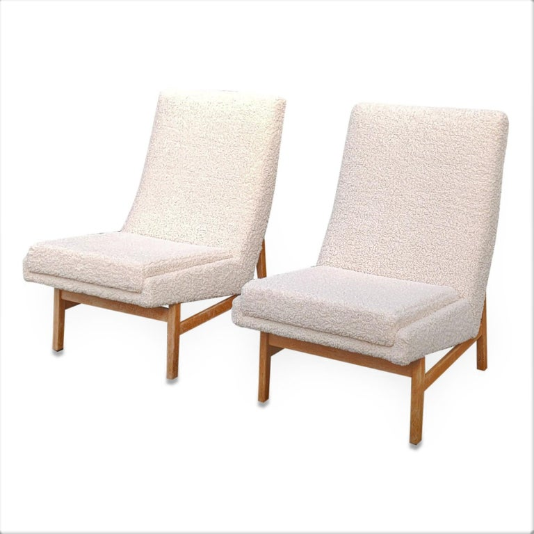 Mid-Century Modern Pair of Cream White Chairs by Guariche, Mortier & Motte for ARP, France, 1955 For Sale