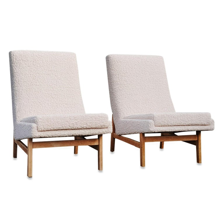 Mid-20th Century Pair of Cream White Chairs by Guariche, Mortier & Motte for ARP, France, 1955 For Sale