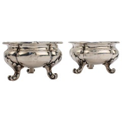 Pair of Crested English Victorian Sterling Silver Salt Cellars by Hunt & Roskell