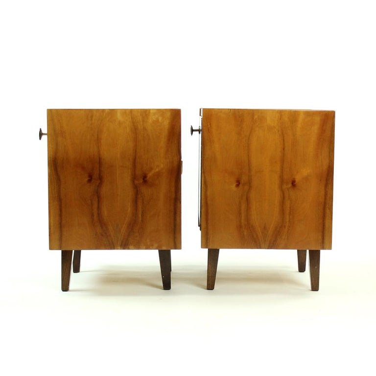 Pair of Cubical Bedside Tables in Walnut Veneer, Czechoslovakia, circa 1970 For Sale 3