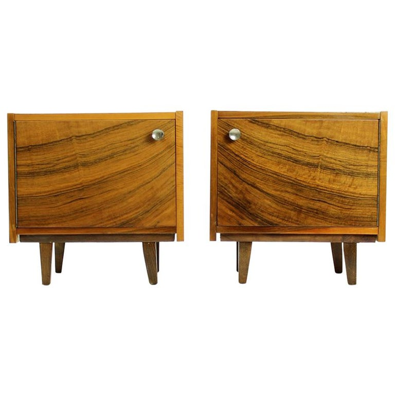 Pair of Cubical Bedside Tables in Walnut Veneer, Czechoslovakia, circa 1970 For Sale
