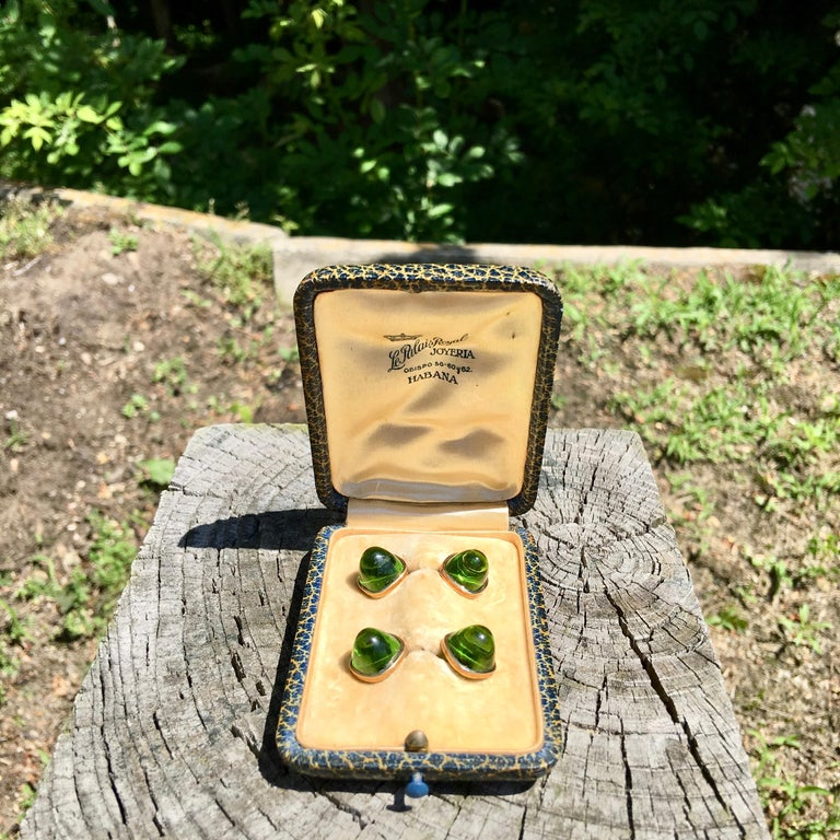 Pair of Cufflinks 18-Karat Gold and Green Cabochon Moldavite In Good Condition For Sale In Hingham, MA