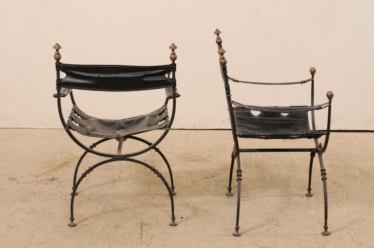 Patinated Pair of Curule Savonarola Italian Black Leather Chairs from Early 20th Century For Sale