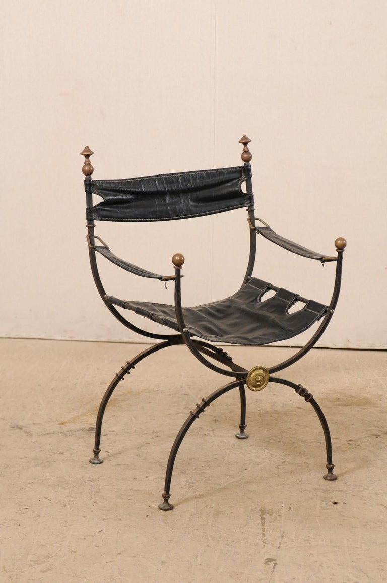 Pair of Curule Savonarola Italian Black Leather Chairs from Early 20th Century For Sale 2