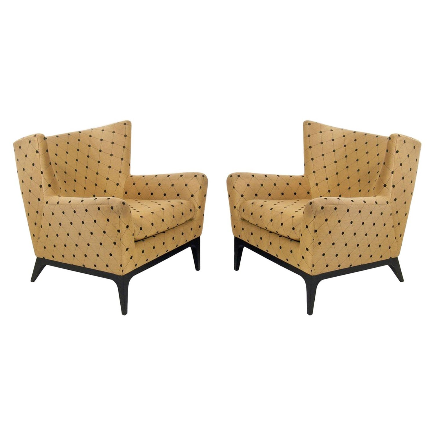Pair of curvaceous modern lounge chairs for sale at 1stdibs