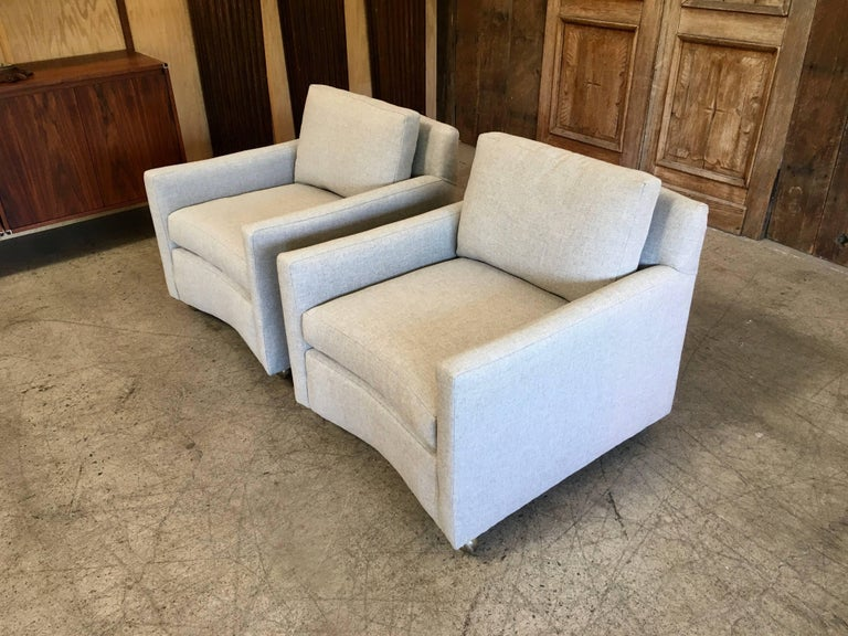Pair of Curved Back 1950s Lounge Chairs on Casters For Sale 11