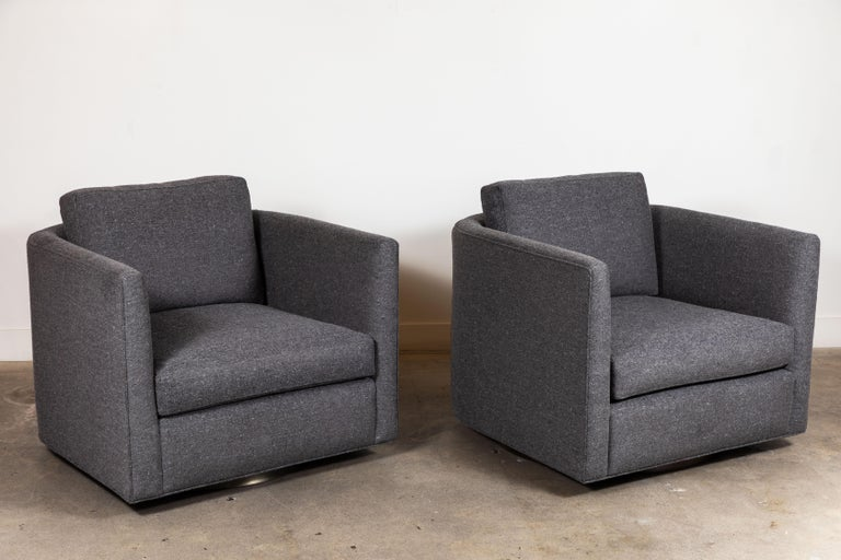 Pair of Curved Back Swivel Chairs by Lawson-Fenning For Sale 4