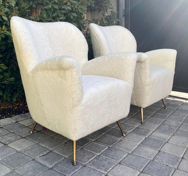 Mid-Century Modern Pair of Curved Midcentury Lounge Chairs in White Curly Shearling For Sale