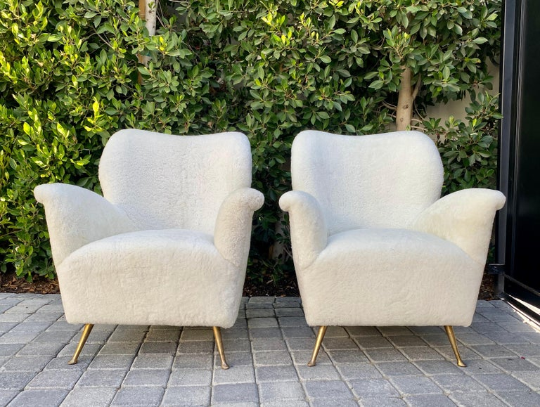 Italian Pair of Curved Midcentury Lounge Chairs in White Curly Shearling For Sale