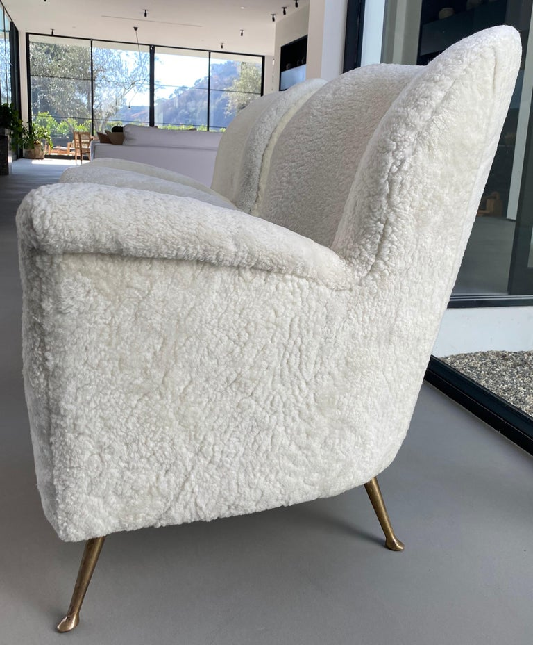 Pair of Curved Midcentury Lounge Chairs in White Curly Shearling In Good Condition For Sale In West Hollywood, CA
