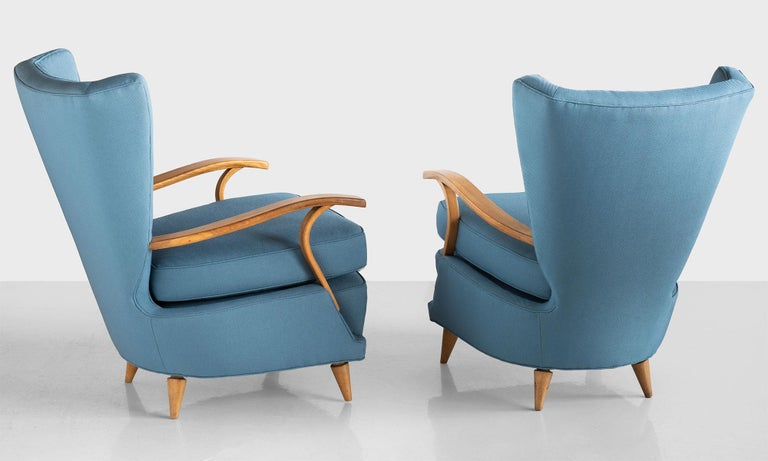 Mid-Century Modern Pair of Curved Plywood Armchairs, Italy, circa 1950 For Sale