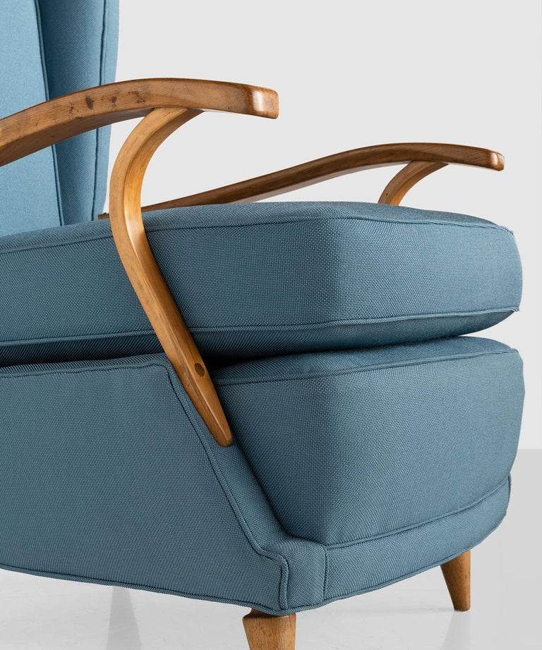 Mid-20th Century Pair of Curved Plywood Armchairs, Italy, circa 1950 For Sale