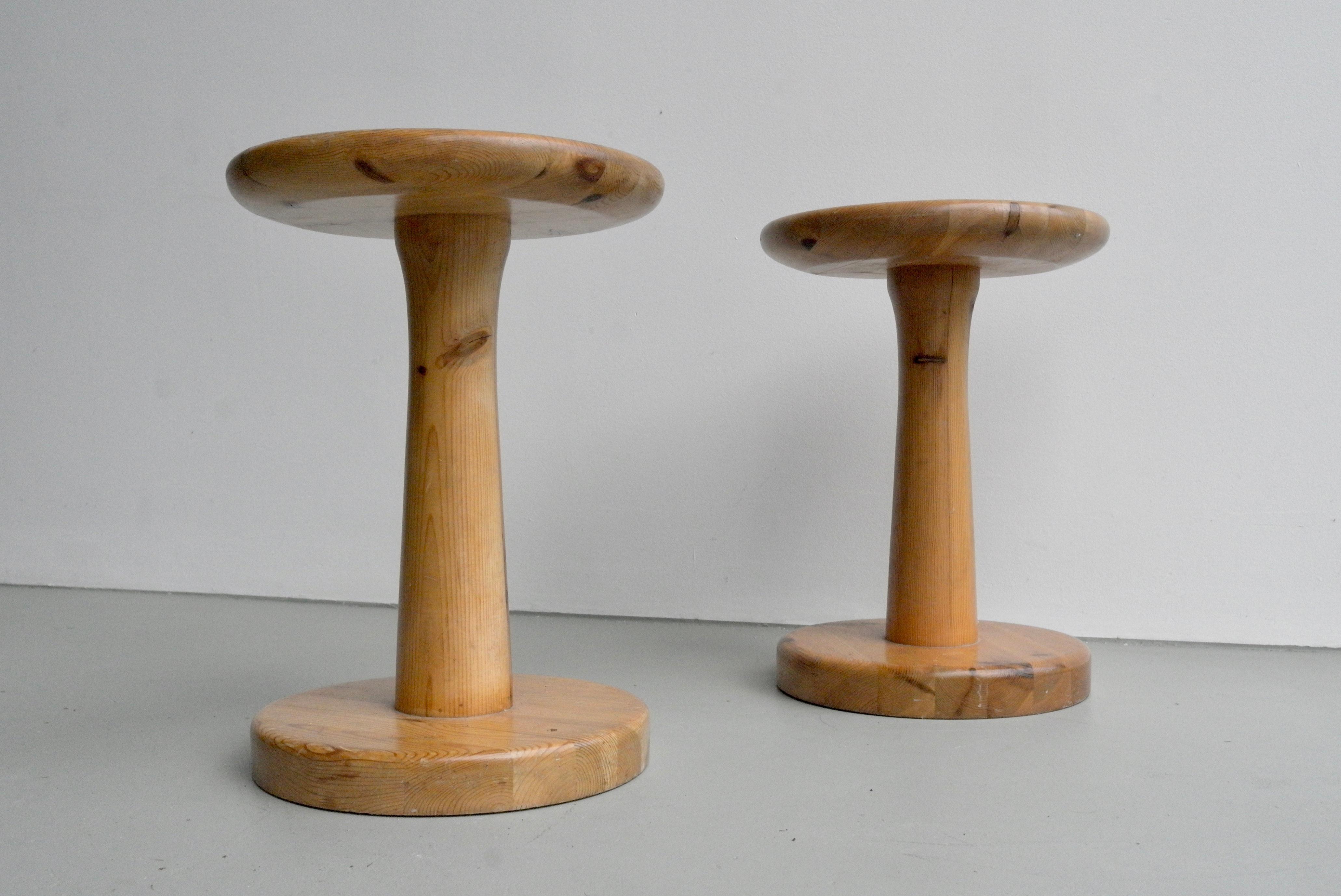 Awe Inspiring Pair Of Curved Solid Pine Wood Stools France 1960S At 1Stdibs Inzonedesignstudio Interior Chair Design Inzonedesignstudiocom