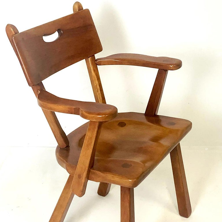 Pair of Cushman Vermont Hard Rock Maple Americana Armchairs by Herman DeVries In Good Condition For Sale In Hudson, NY