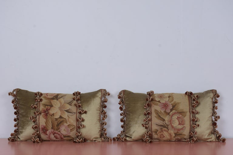 Pair of Custom Antique Tapestry Accent Pillows In Good Condition For Sale In Los Angeles, CA