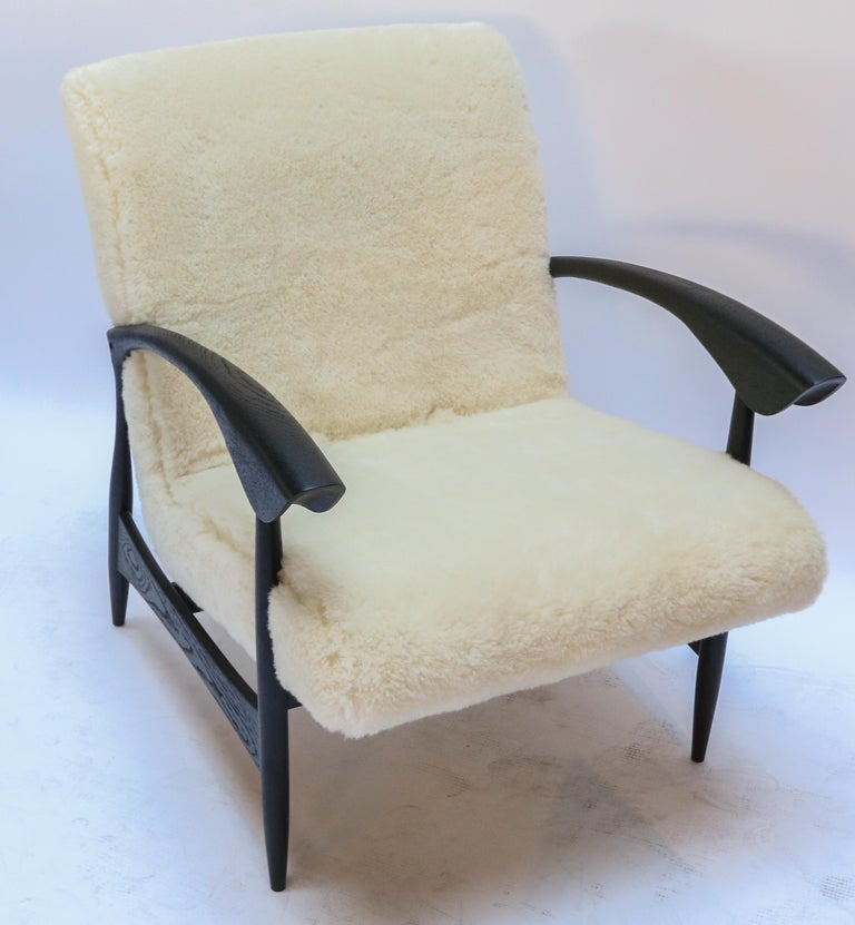 Mid-Century Modern Pair of Custom Black Matte Oak Armchairs in Ivory Wool by Adesso Imports For Sale